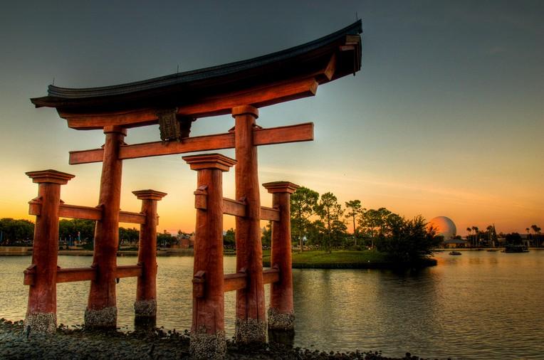 Тории — японские традиции на вашем участке