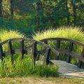 Декоративный мостик в дизайне — как сделать самому