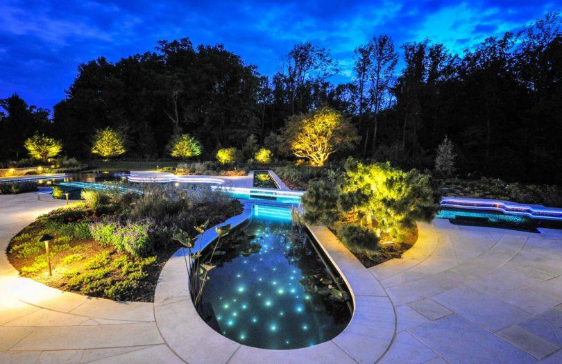 подсветка пруда на даче