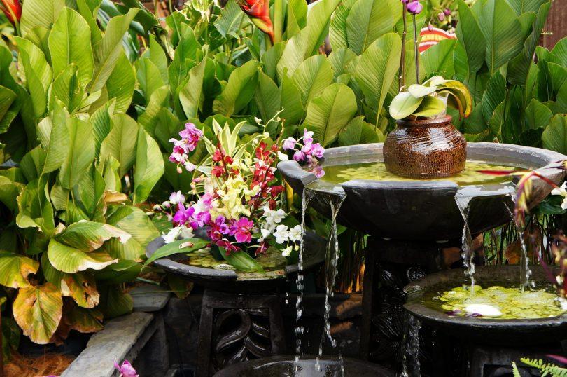 фонтан с водоемом