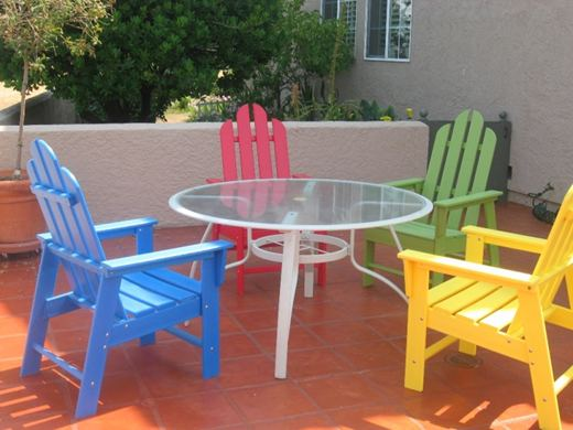 Мебель из дерева для зоны отдыха