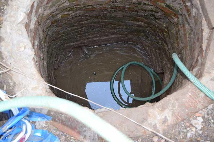 Слить воду из бассейна
