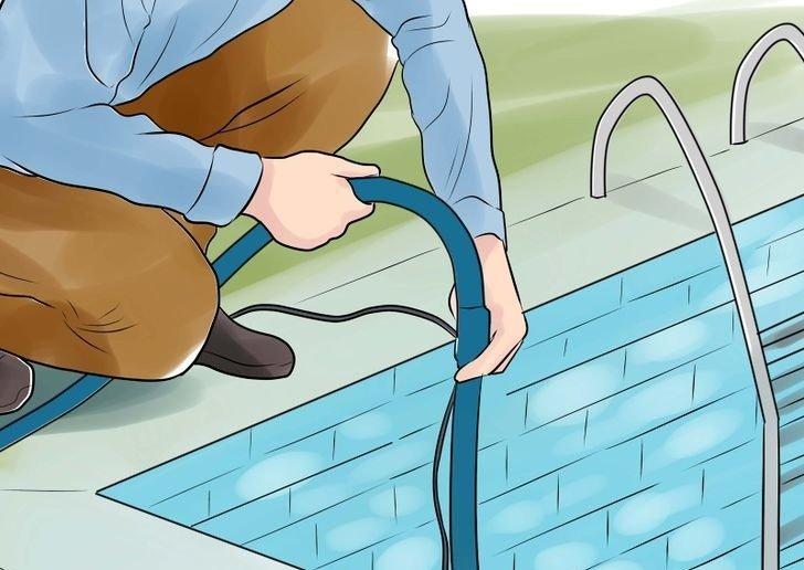 Слить воду с бассейна