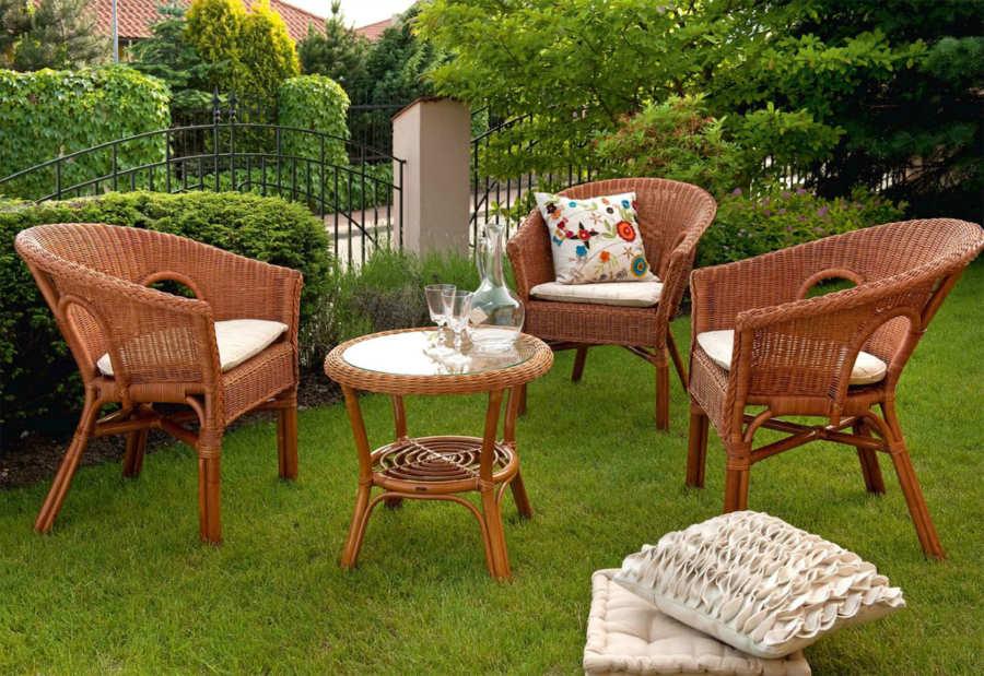 Современная садовая мебель для дачи: материалы и характеристики