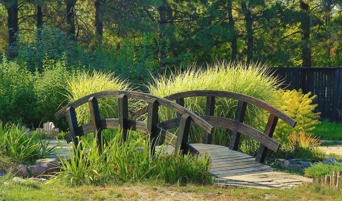 Мост в саду своими руками